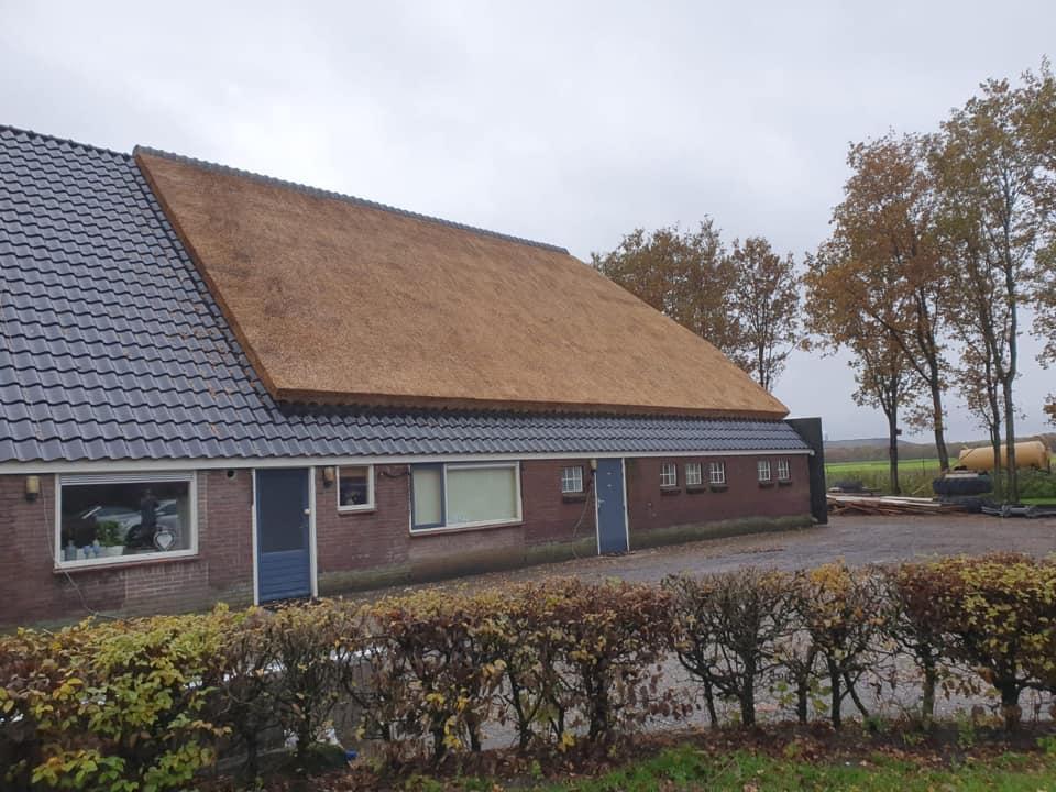 Mooie klus gehad in Drijber. Pannen zijn gelegd door Bouwbedrijf Peter Waninge. Veel plezier met jullie nieuwe dak!