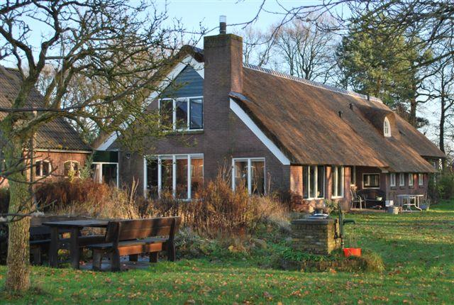 rieten-dak-woonboerderij-echten